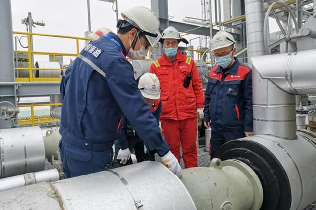 北仑临港产业员工春节不停工 几大生产链推进生产