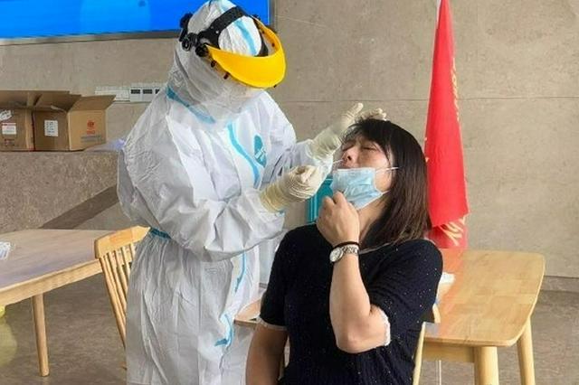 奉化方桥防疫与保供两不误 1小时完成300人核酸检测