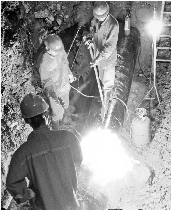 为杭富铁路建设让道 杭州距离最长的天然气管道改迁
