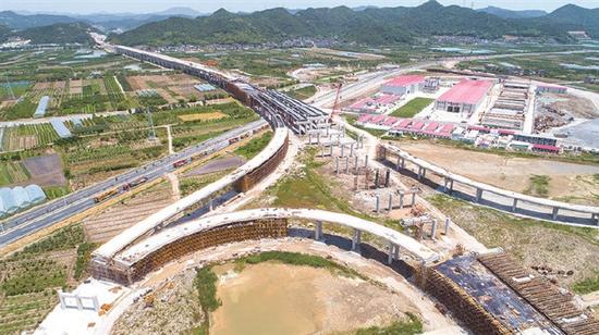 象山高速公路建设进入高峰期 整个高速公路轮廓显现