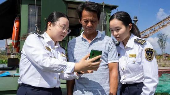 宁波海事新招实现一键过闸 节省多项手续办理时间