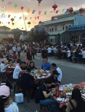 象山石浦东门渔村举办千人庆丰宴
