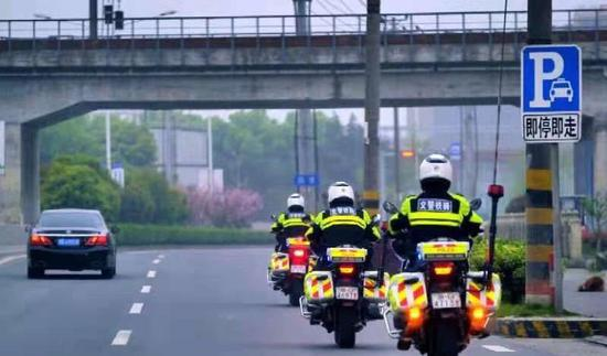 宁波公安清明出动4万余警力守护社会治安平稳有序