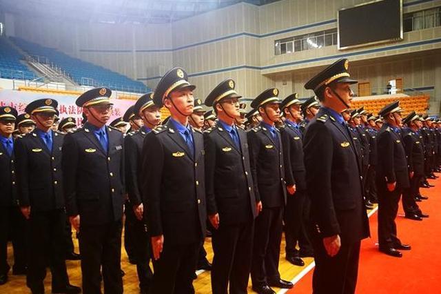 宁波城管1504名执法人员换新装