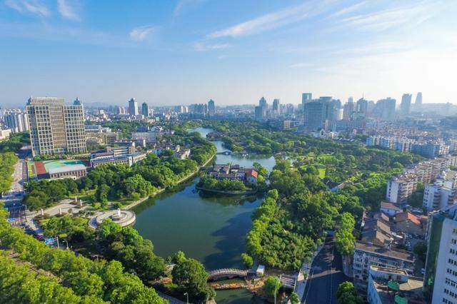 去年宁波空气优良率达85.2% 雾霾天比4年前减少100天