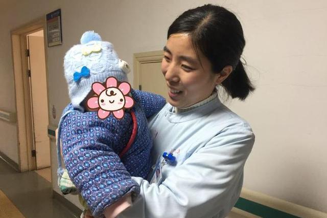 最美瞬间 宁波护士妈妈解衣为患者小孩哺乳