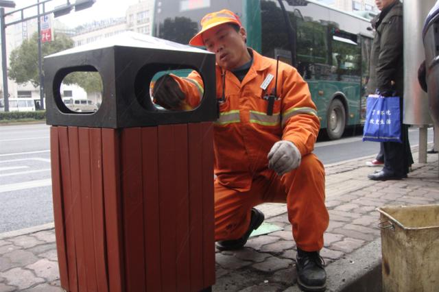 从30吨到7.55吨 杭州市区清扫烟花爆竹再创新低