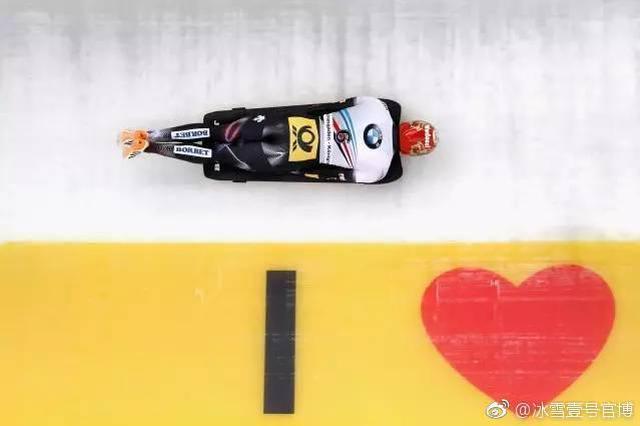 宁波女运动员加拿大冰雪训练 新年希望吃胖点