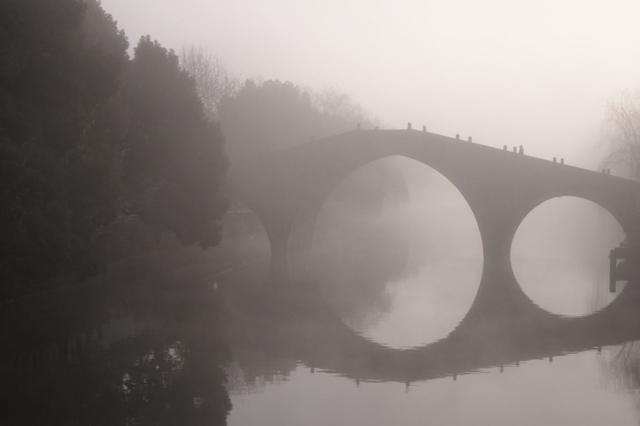 雾中余姚景更美