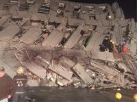 台湾16层大楼倒塌已救出127人