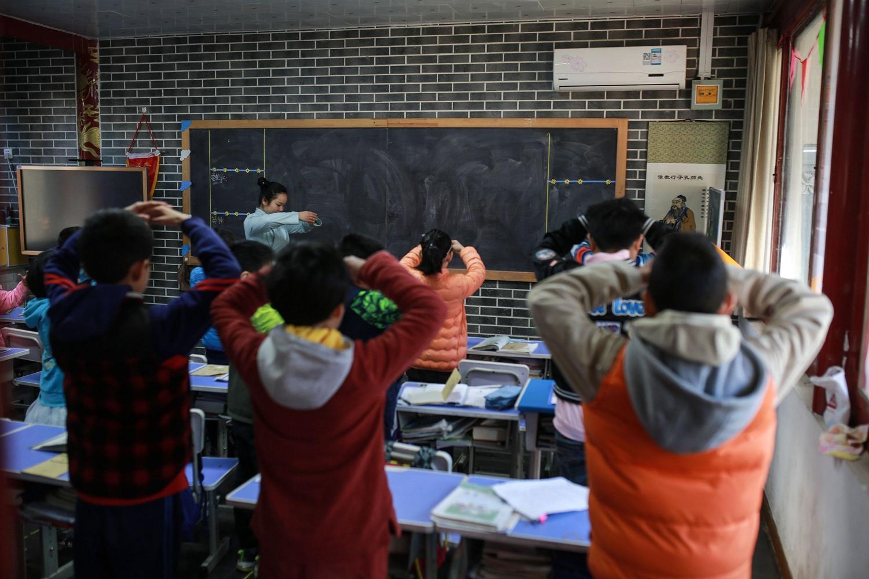 【618棋牌网址】高中举行吹乒乓球比赛:快乐减压 迎接高考