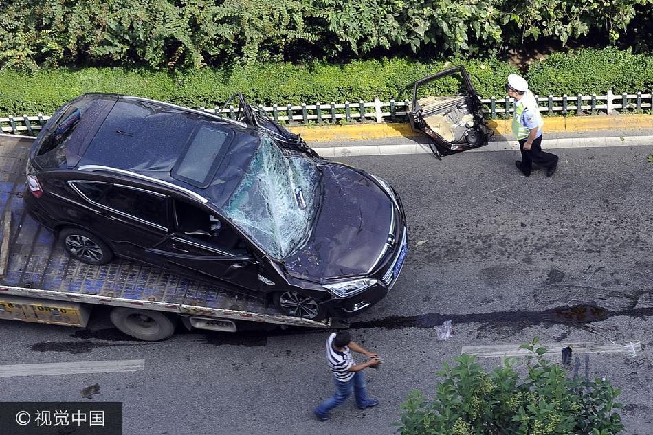 浙二医生被卷入工程车碾轧 血迹拖出20米仍在抢救中