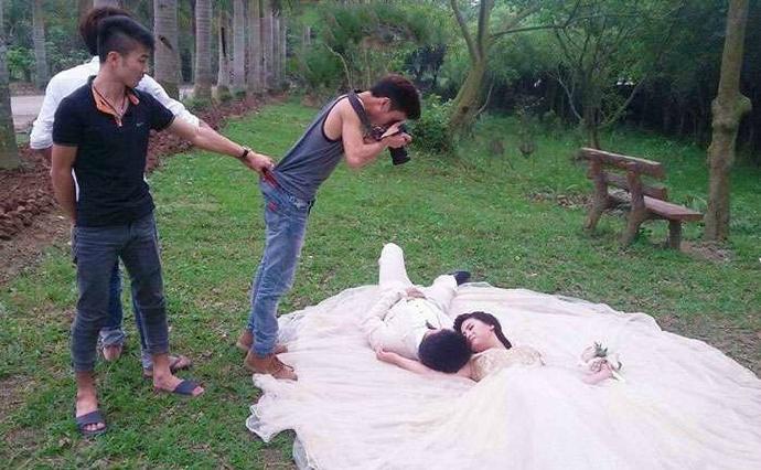 摄影师婚纱_新娘子摄影师婚纱门
