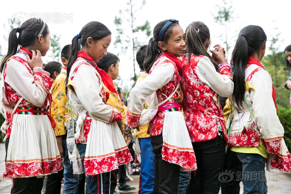 一个都不能少:泸沽湖畔爱心小学