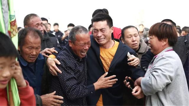 格力业绩跳水 机构评级卖出:亿万富豪董明...