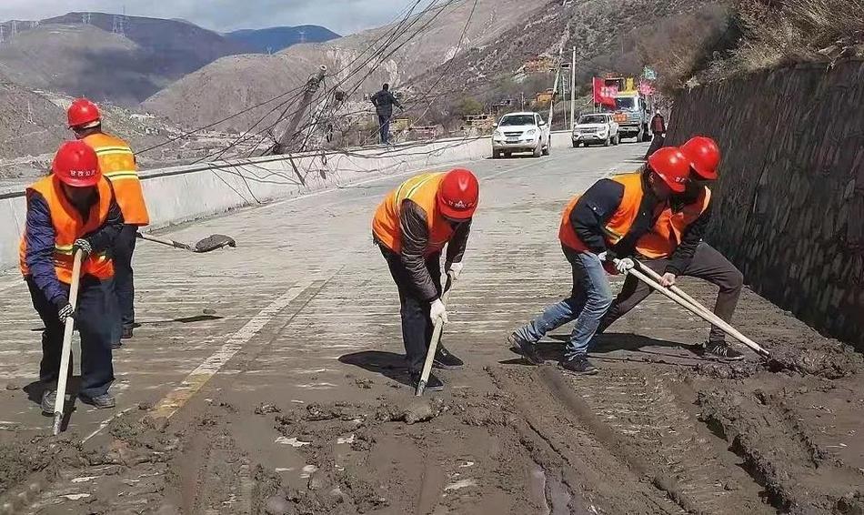 国道318线恢复通车 12月6日大桥开放小车试运行