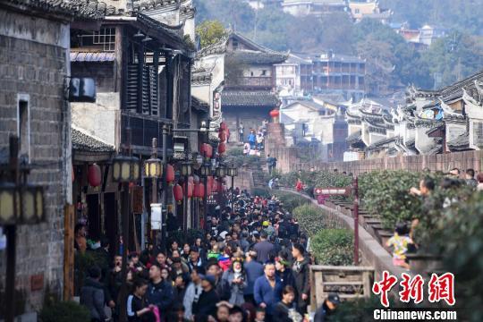 北京3日旅游市场接待超300万人次 这些景区排前三
