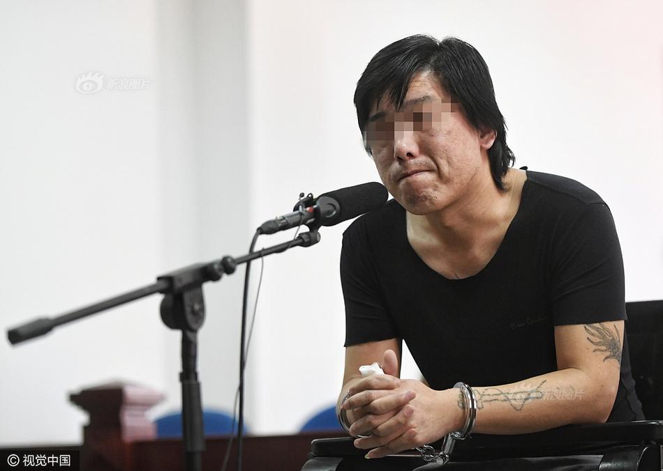 父亲伙同女儿绑架同学 受审当庭痛哭