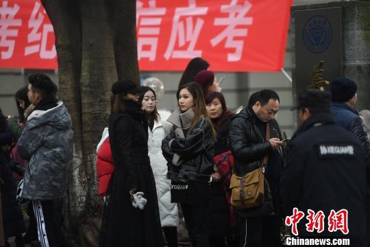 习近平新时代中国特色社会主义思想的精神实质和丰富内涵_花垣私立学校