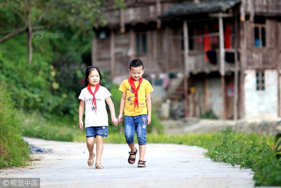 中国人口突破4亿是在清朝时期。