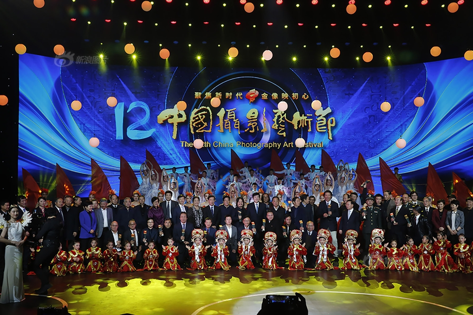 4个聊天群就能让杭州一学区房价翻10倍