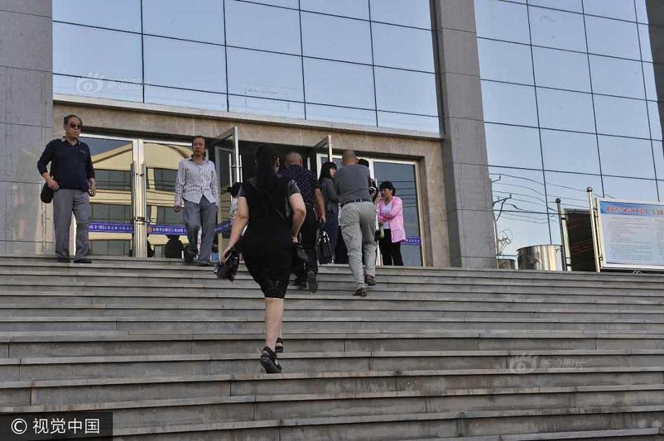 将于今天在甘肃省白银市中级法院开庭审理.被告人高承勇被诉涉嫌