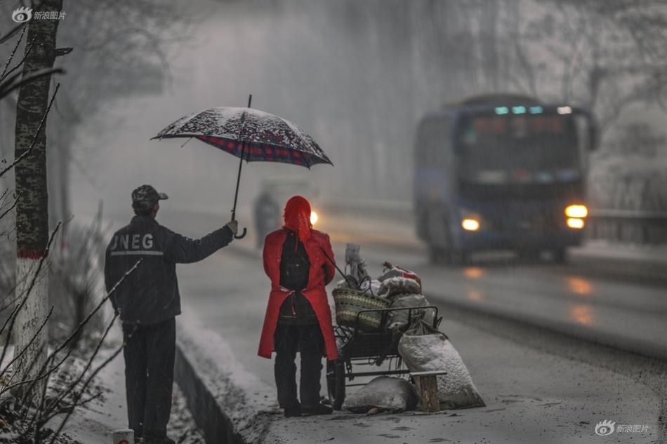 """新浪爱拍""""生于街头""""2019年11月入选作品"""