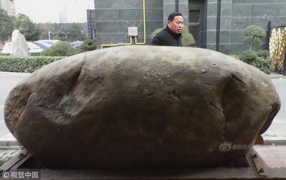 震撼!工地挖出3000枚炸弹 专家:抗战遗留物