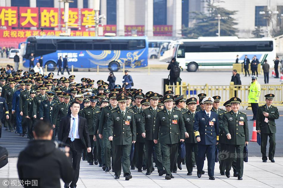 美两艘军舰28日通过台湾海峡,外交部:已向美方表达关切