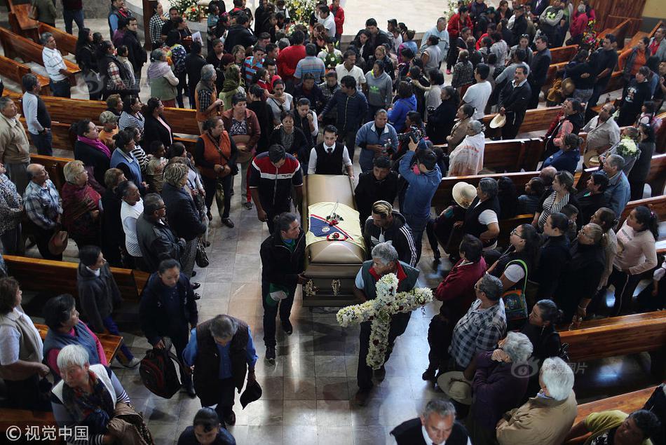 新疆警察成为恐怖分子的重点残害目标:伤害从未远去
