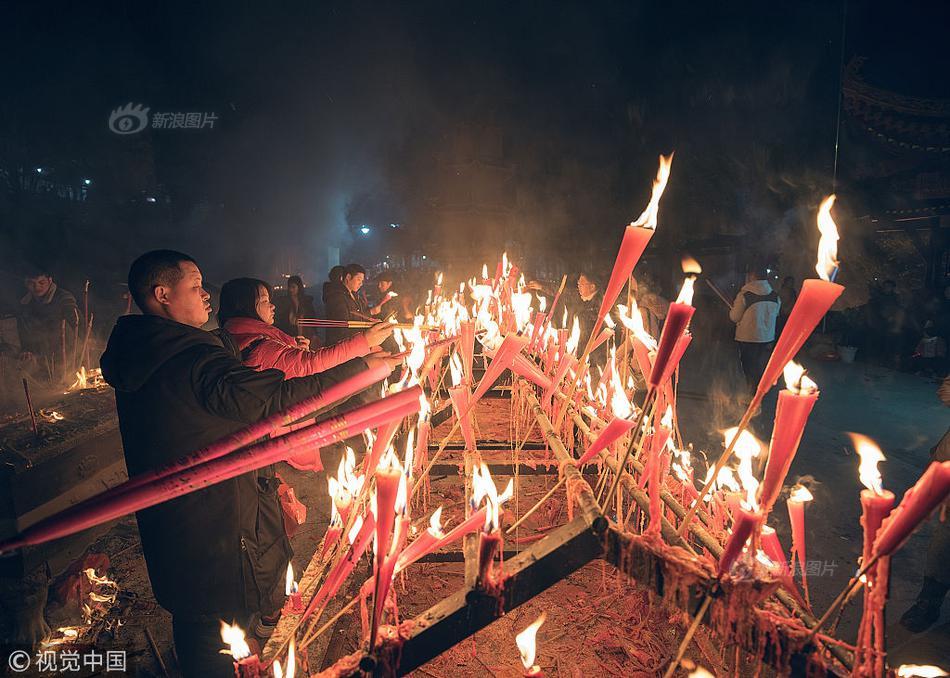 韩媒:发现朝鲜举行阅兵式