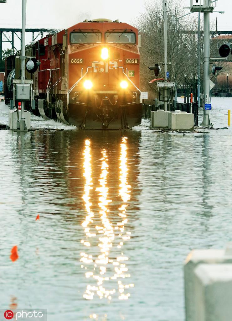 mobile dock
