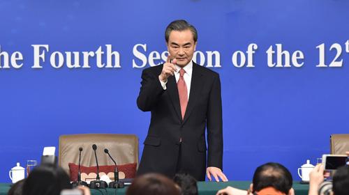 """王毅答记者问 称中国外交""""接地气"""""""