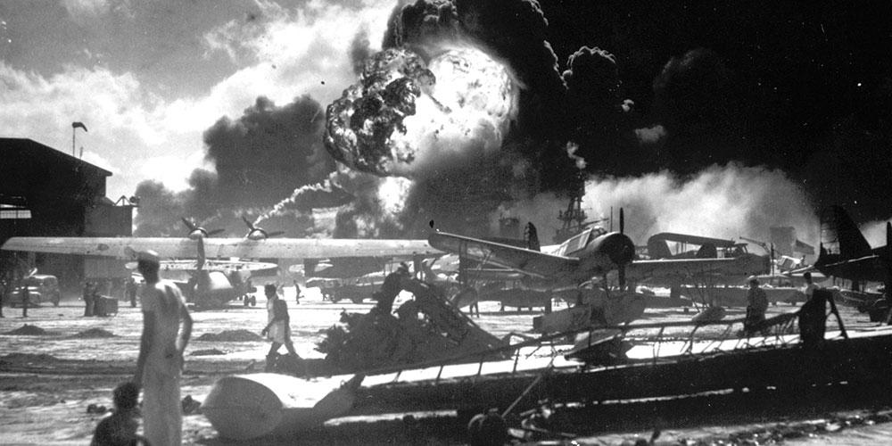 【记忆】20张老照片带你重回珍珠港遇袭那一天
