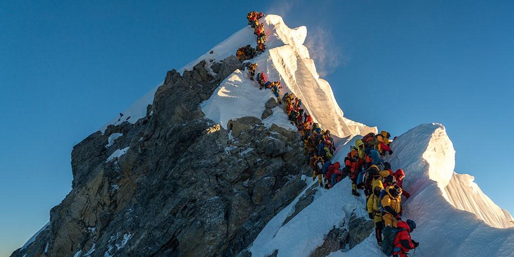 我在珠峰拍摄攀登者