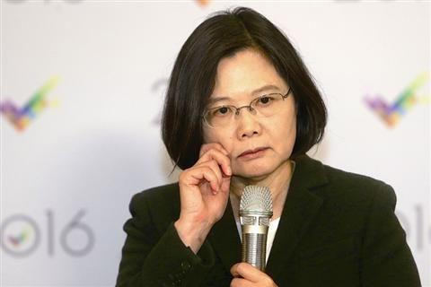 台湾网友叹:爸妈票给英文投蔡 选后秒变失业人士图片