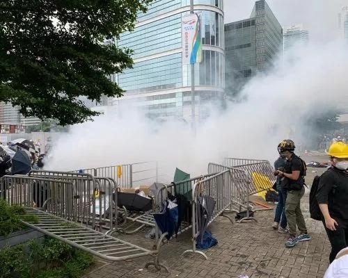 这一天 关于香港的消息都挺意味深长|示威