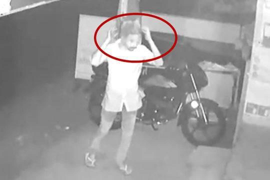 印小偷头戴透明袋作案 样貌清晰可见还留大量指纹样貌小偷作案