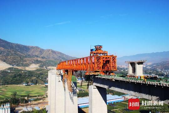 「摩天平台」昆铁路复线摩天平台改造工程米易至攀图片