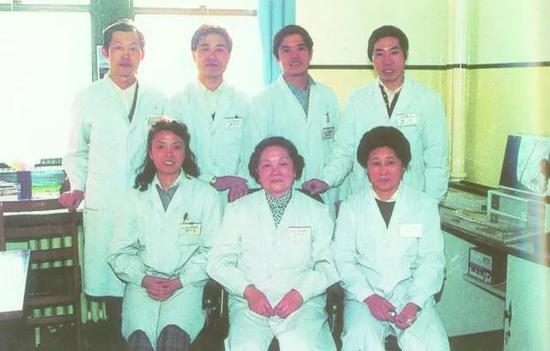 前排中为刘彤华 图片来源:北京协和医院