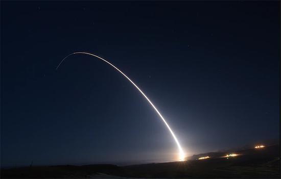"""美发射一枚""""民兵""""-3洲际导弹 今年已进行4次试射"""
