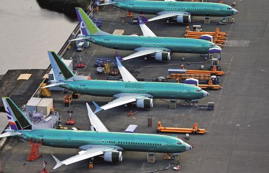 3月21日,美国华盛顿州伦顿,波音工厂停机坪上停放的波音737 MAX飞机。图/视觉中国