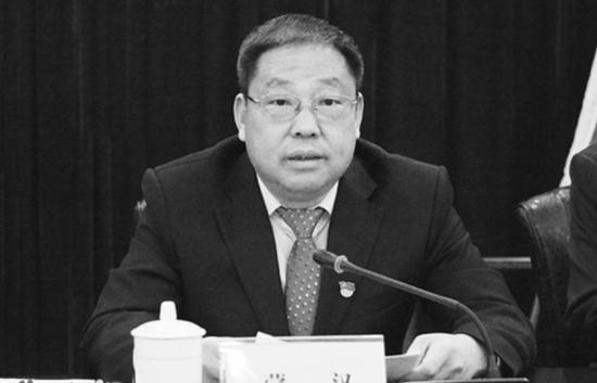 「股票配资」县委书记工作期间不幸殉职股票配资图片