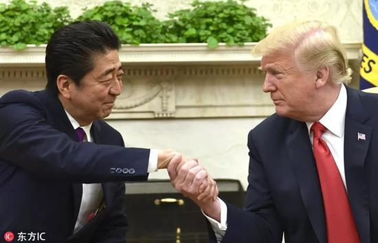 ▲资料图片:6月7日,美国华盛顿,日本首相安倍晋三访美,与美国总统特朗普举行会晤。(东方IC)