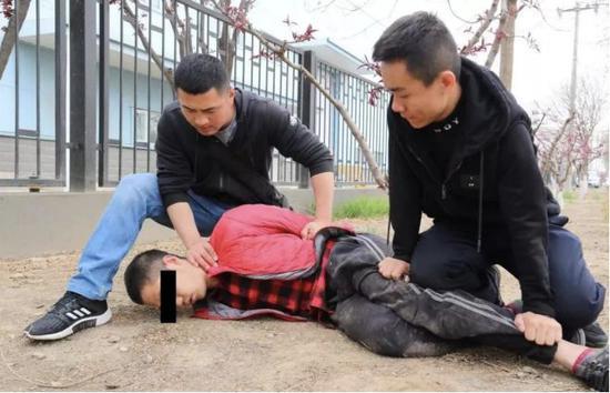 远博娱乐怎么下载_这就是我们的态度!人民日报用十二字谈香港局势