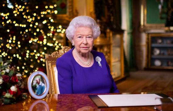 """新京报:和欧盟""""离婚""""的英国,会孤单吗?"""