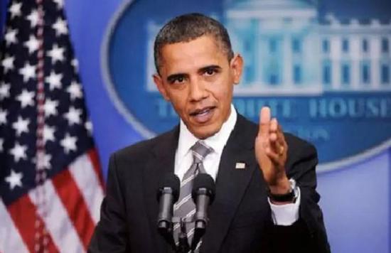 """奥巴马对这一不作为的解释是,他认为是时候让国家""""向前看,而不是向后看""""。"""