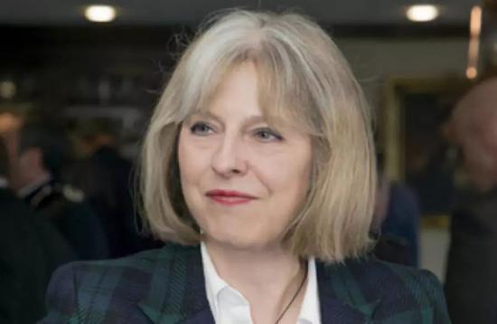 内政大臣时期的特蕾莎梅 图片来源:英国政府