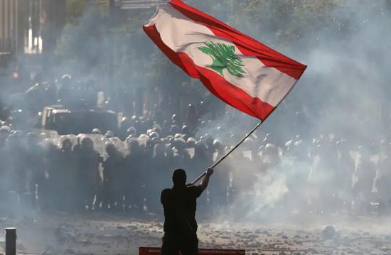 黎巴嫩总理宣布本届政府辞职:爆炸是地方腐败的结果