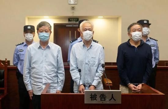 72岁落马的省管干部,被判了16年图片